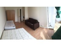 BED IN A DOUBLE ROOM! BETHNAL GREEN! MASTER SIZED ROOM!