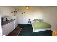Studio flat in Ditchling Road, Preston Park, Brighton, East Sussex, BN1