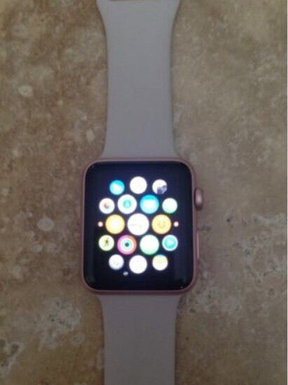 Apple Watch series 1 rose goldin Great Notley, EssexGumtree - Apple Watch (iwatch) sport 42mm rose gold with sport band only.Perfect condition only selling as I have recently got the new series 2 watch
