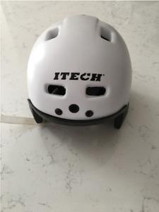 Itech Techlite junior hockey helmet