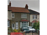 Mid Terraced Property - Large Family Home - Northfield Grove, Lockwood, HD1