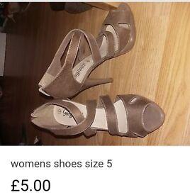 Women's size 5 high heels