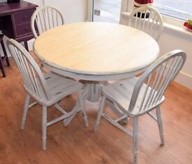 Pine Shabby Chic Table with 4 matching chairs