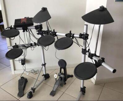 Yamaha DTXporer electric drum kit