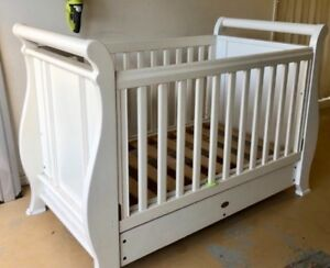 Boori Baby cot in white
