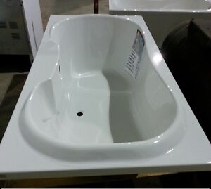 Brand New - MAAX 2 Person Tub 50% OFF - Display Blowout!
