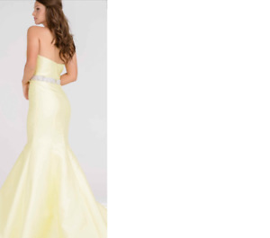 BRAND NEW WITH TAGS BUTTERCUP YELLOW JOVANI GOWN