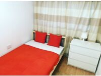 *MUST SEE* Double rooms available in very good conditions! Close to Amazon Depo!!
