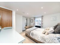 LUXURY TWO DOUBLE BEDROOM WITH MINUTES OF DISTANCE FROM TUBE STATION! CALL DINO ON 02084594555
