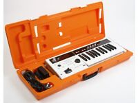 korg micro x synth,cased, superb condition.