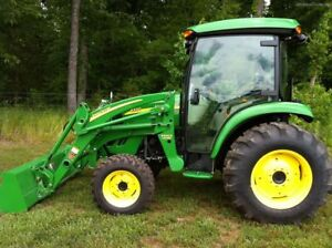 2011 JOHN DEERE 4320 ***low hours***