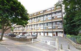 4 bedroom flat in Carlton Vale, Maida Vale, NW6
