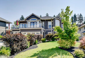 Stunning 4 bedroom/4bathroom executive home in Lake Country