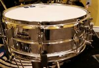 Yamaha 51/2 x 14 steel shell snare, great shape