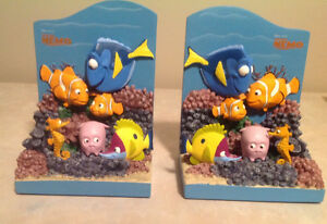 Disney Nemo / Dory book ends