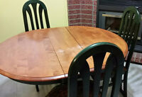 Table, en bois, 4 chaise - Table, Hardwood, 4 Chairs