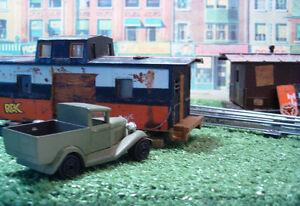 O scale train caboose work shed model railway train