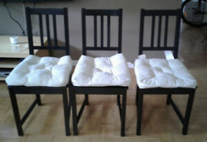 IKEA Bjursta extendable dining table + 3 Stefan chairs