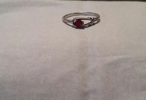 10 Carrot Gold Ring With Ruby!