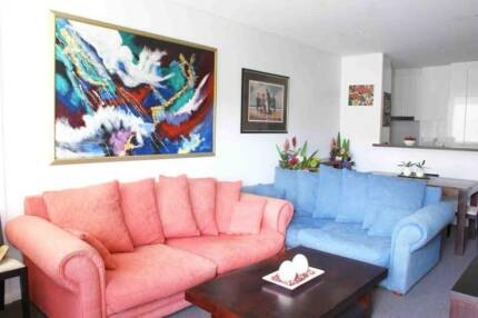 BRIGHT AND AIRY (share room $ 185.00 p.w )