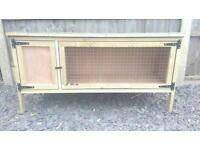 Rabbit hutch (never been used)