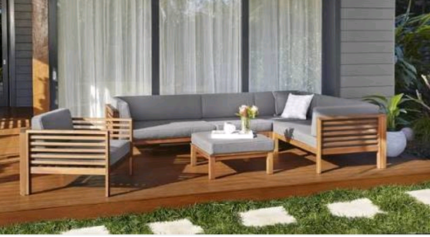 6 piece outdoor setting near brand new Finlay and Smith