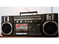 Panasonic VINTAGE stereo mini boombox RX-C31 Like new