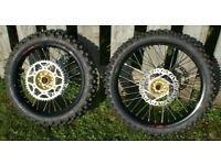REFURBISHED WHEELS CR CRF 21 18 INCH NEW SPOKES WAVY DISCS SPROCKET TYRES BLACK RIMS GOLD HUBS