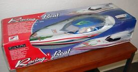 Speed Yacht 2 - Radio Controlled Boat (inc Controller)