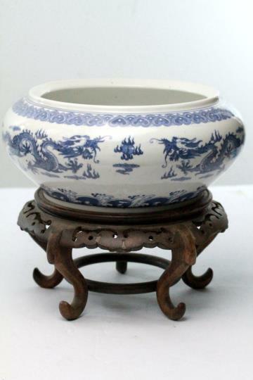 "Antique Chinese Censer Blue & White porcelain 5 toe dragons pearl Quianlong 10 """
