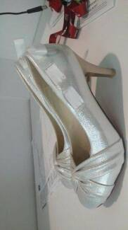 Size 7 High Heal Formal Shoes