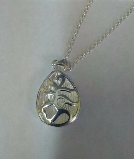 Droplet pendant and chain