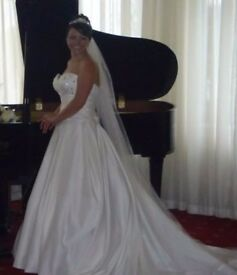 Beautiful Trudy Lee Wedding Dress Size 12