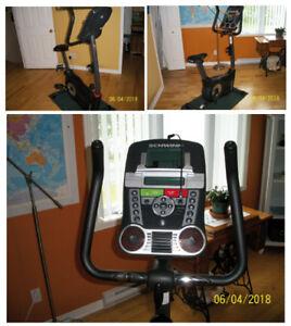 Bicycle exercice et stores verticaux