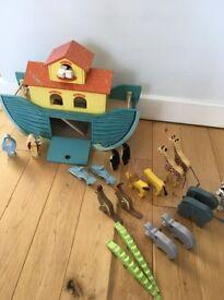 Le Toy Van Noah's Great Ark Large Wooden Toy