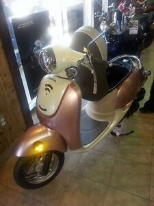 PERFECT GRAD GIFT SCOOTER !!