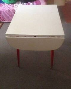 Retro dinning  table Bligh Park Hawkesbury Area Preview