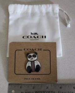 Coach - Polar Bear Pin