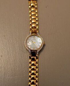 Woman's Elgin -Mother of Pearl Face- New Battery
