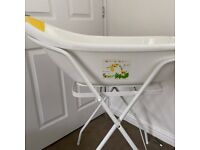 7 Baby Items: Papoose, Bath, Bath seat, Reigns rucksack, Bumbo, Moses Basket & Baby Bouncer