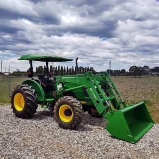 John Deere 5225 tractor 4WD with FEL bucket hay fork tines 56hp