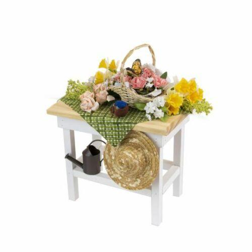 Byers Choice Caroler - Spring Garden Table