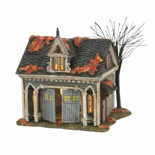 Dept 56 THE MUNSTERS CARRIAGE HOUSE Munsters Village 6007410 BRAND NEW 2021