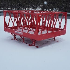 7x8 Bale Miser hay feeder Feeds up to 5x5 round bales For Cattle