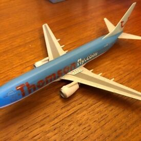 Thomson fly airlines, Boeing 737 plastic plane model