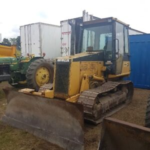 Cat d3c dozer 6 way blade