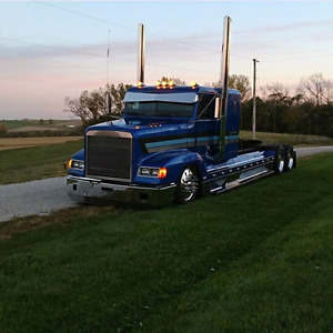 Looking to buy freightliner classic/fld