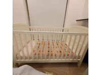 Baby Cot Bed Mamas & Papas
