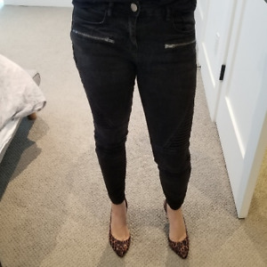 SELLING DELUX MOTO RISE JEANS BY COTTON ON. SIZE 6, FITS LIKE 4.