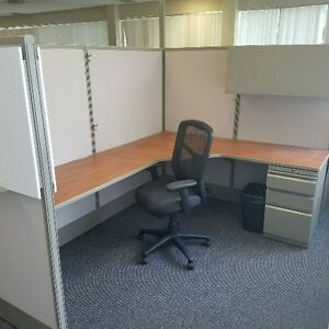 USED WORK STATIONS - OFFICE FURNITURE